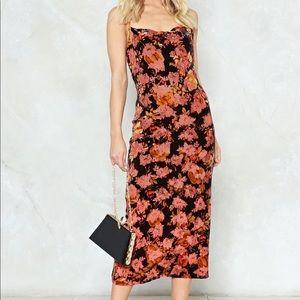 NASTY GAL - Velvet Floral Burnout Dress